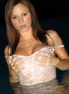 Kate Swiming At Night - Picture 7