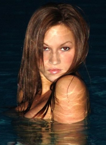Kate Swiming At Night - Picture 10